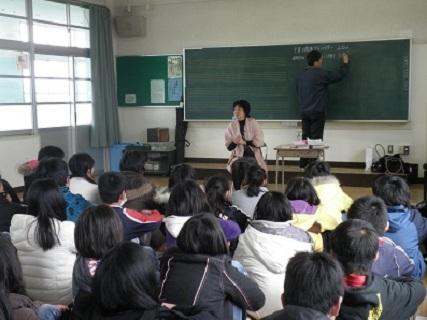福岡市の小学校で6年生へ講演 2012年 2012年